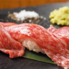 和牛の炙り肉寿司やお肉料理が◎
