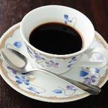 フリードリンク400円 コーヒー、紅茶、自家製ハーブティー等