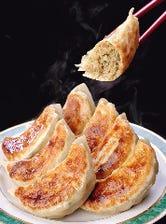 弊店の人気No.1料理『黒豚焼餃子』