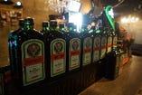 世界で話題のお酒【イエーガーマイスター】イエーガーマイスターを使ったカクテルも種類豊富◎
