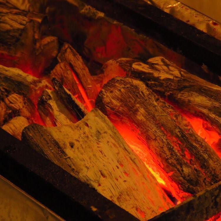 国産の備長炭で素材の旨味を凝縮!