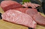 神戸牛ステーキの見事な 霜降り イメージ写真
