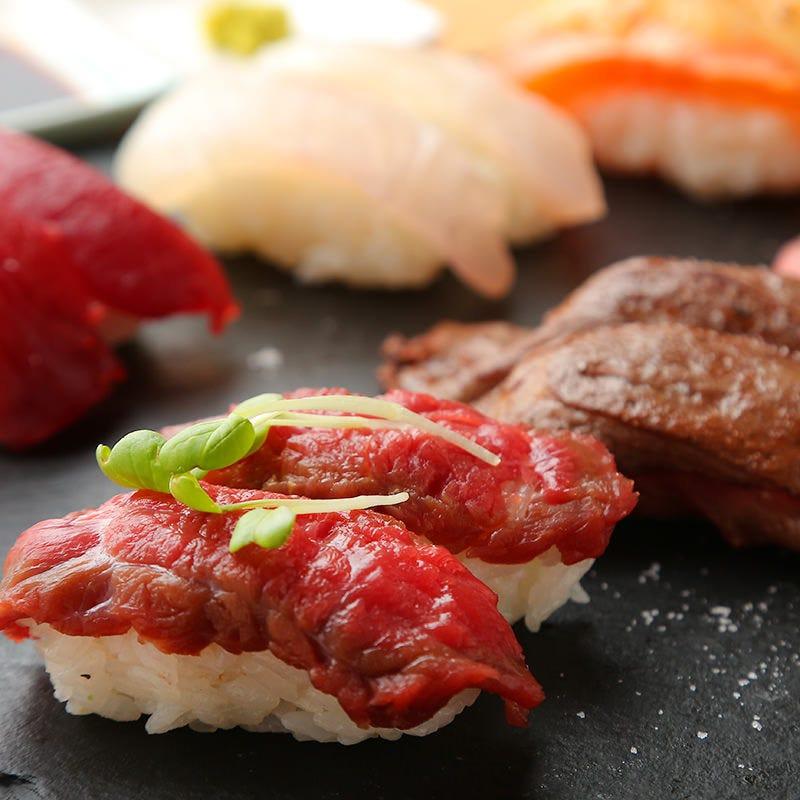 名物肉寿司や肉巻き串など一品も豊富