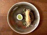料理は海の幸と大事の恵みを一つの料理で表現するSurf&Turf