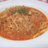 自家製小松菜とベーコンのトマトソーススパゲティ