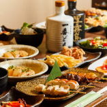 名物の鶏料理が集う宴会コースは1,600円(税込)〜楽しめます