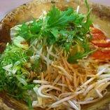 水菜と九条ねぎの陶板焼き