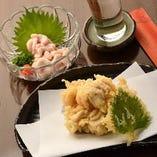 旬の『たらきく』を天ぷらに。日本酒との相性抜群