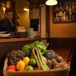 できるかぎり地元産にこだわった旬の野菜は鮮度も良い