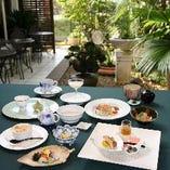 お箸で楽しむ湯葉料理の数々