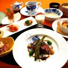 料理長おすすめ!お好みで愉しめる3種から選べるメイン&風味豊かな湯葉と自家製デザートのシーズンコース