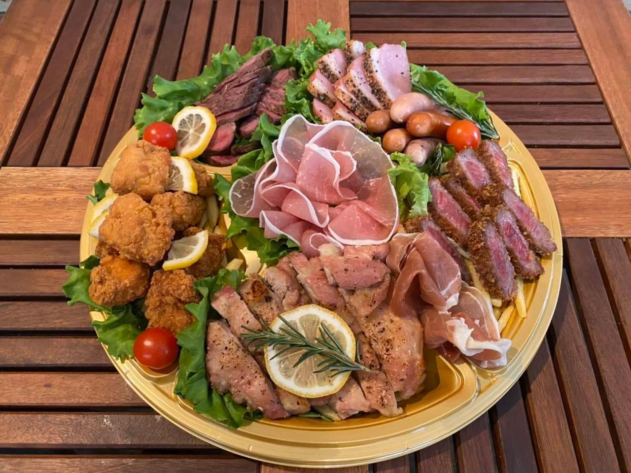 ご自宅で肉バルの料理が楽しめます!!