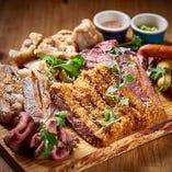 肉盛り合わせでお好みの肉料理を見つけてください!