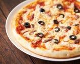 アンチョビとブラックオリープピザ