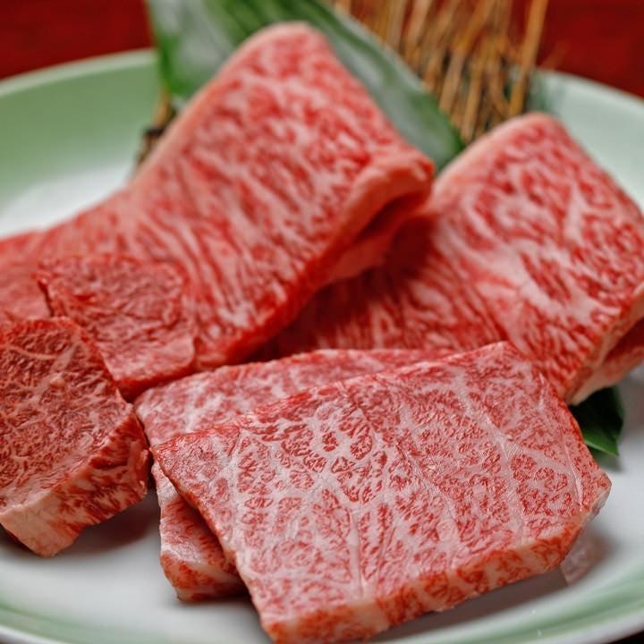 その日入荷した新鮮なお肉の希少部位を盛り合わせてご提供