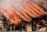 炭火で焼きあげ、秘伝のタレを使ったうなぎは格別の味。