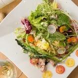自家製サラミと季節野菜のペペロンチーノ