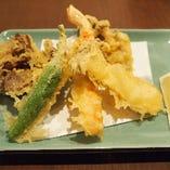 6】松茸と海老、旬野菜の天ぷら盛り合わせ