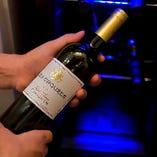 ちょっとしたお祝いに最適なワインは季節毎に仕入れています!
