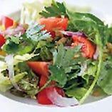農園直送サラダが人気♪ランチ・ディナーいつでも楽しめます♪