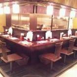厨房が見えるカウンター☆ 目の前で焼きあがる光景を楽しむ。