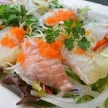 旬魚の海鮮サラダ