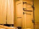 東京の大工が手掛けた木製氷室。鮮魚を寝かせる、絶妙な温・湿度