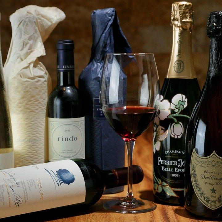 季節や料理に合う各国ワインを品揃え