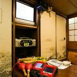 [快適な船の宴を] 冷暖房・トイレはもちろんカラオケも完備!