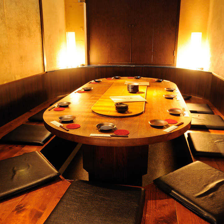 男性・女性にも人気な円卓堀座敷。会社宴会・同窓会・コンパに♪