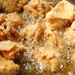 鶏卸問屋直営店の鶏唐揚げ