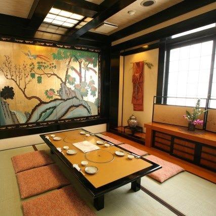 現代和風の高雅な個室が充実
