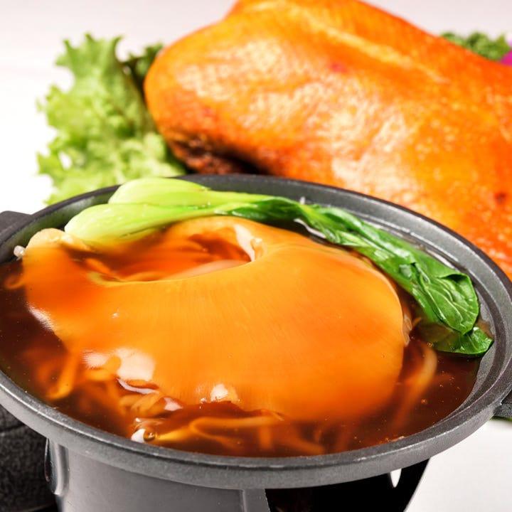 北京ダックやフカヒレなど豪華食材
