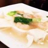 海老と豆腐の塩味煮込み