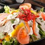● ブランド豚・カムイ豚と大根のサラダ