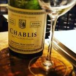 グラス、ボトルワイン共に豊富にご用意してます!