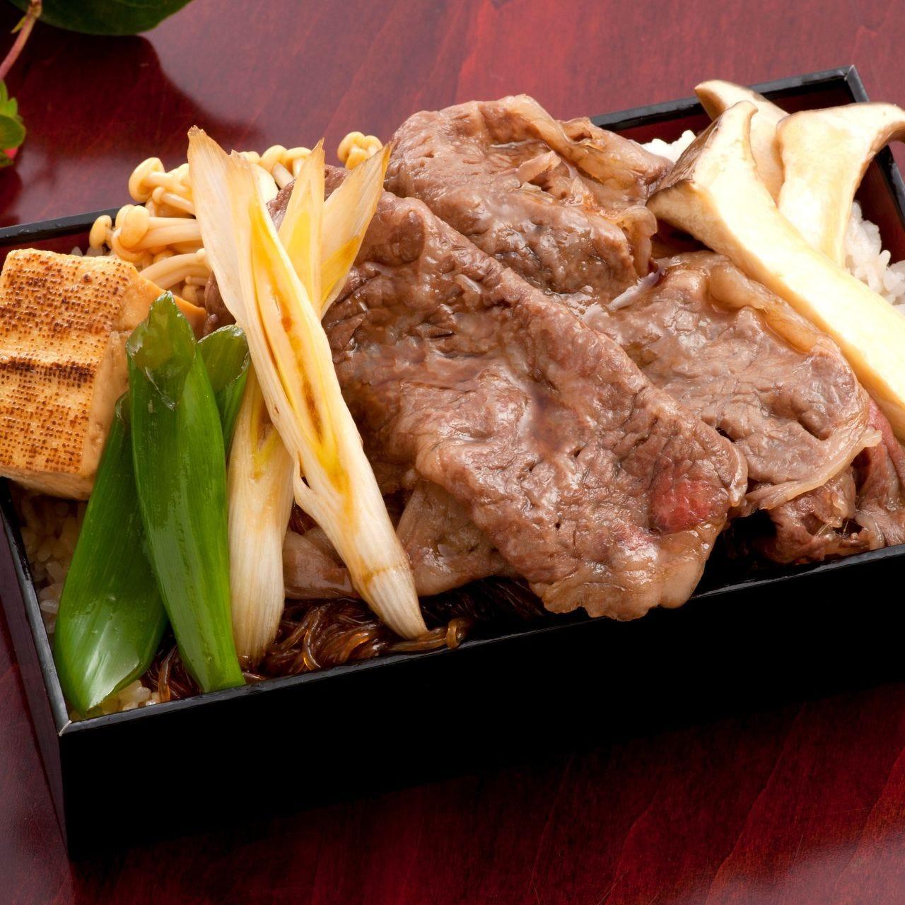 福井のブランド和牛「若狭牛」を 贅沢に使用したお弁当も人気