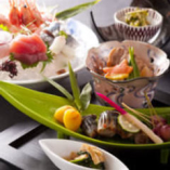 旬の食材で彩る料理の数々。 五感で味わう楽しみを。