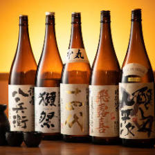 地鶏と相性抜群!多彩な日本酒を常備