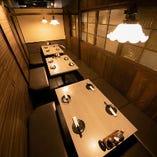 落ち着きのある大人数のお席は会社宴会など各種シーンに最適。