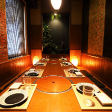 和情緒溢れる雰囲気の個室空間