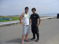 魚ばか総大将(左)と 船形の相棒、大輔(右)