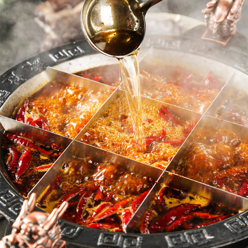 東海地区では希少。伝統の九宮格火鍋