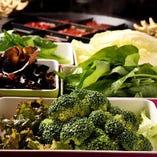 15種類以上の野菜をご用意!お好きな具材を自由にお選びください