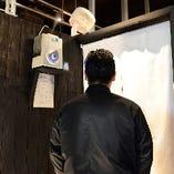 3)次亜塩素酸水の噴出器を設置しております   入店前にくぐっていただきます