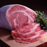 九州各地から厳選したお肉をご用意しております。