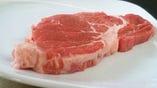 『上ロースステーキ』大きな塊から1枚1枚切り出して提供
