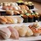 寿司は本格手握りでご提供します。