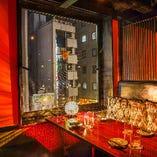夜景も見えるテーブル個室