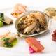 コース料理の前菜は彩り豊かに五味五色でおもてなしいたします。